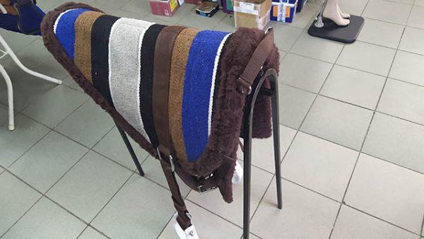 Седло для лошади безленчиковое пад